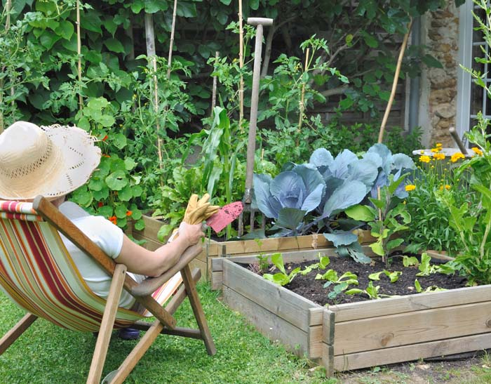 The School Holidays Are Underway, So What Better Time To Get Your Little  Helpers Involved In A Spot Of Outdoor DIY? Making A Raised Garden Bed Or  Vegetable ...